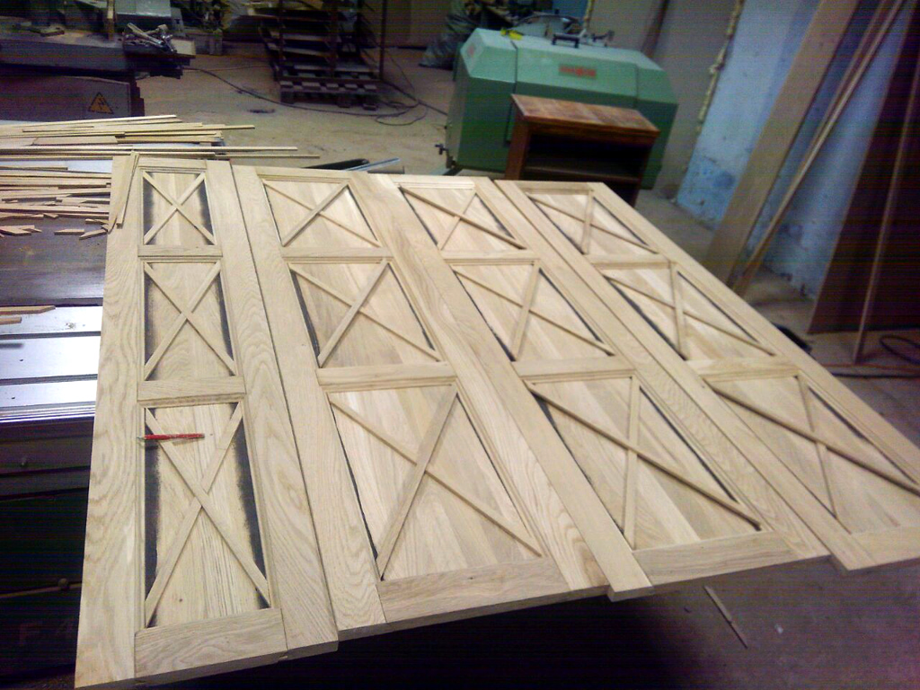Изготовление дубовых фасадов.jpg